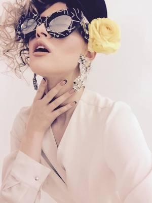 VIDEO EXCLUSIV| Iulia Albu - WOW sau Bau-Bau: Afla cum se poarta corect imprimeul floral!