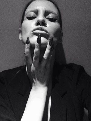 VIDEO EXCLUSIV | Iulia Albu - WOW sau BAU-BAU: Cum sa porti tinute in stilul lui Audrey Hepburn!