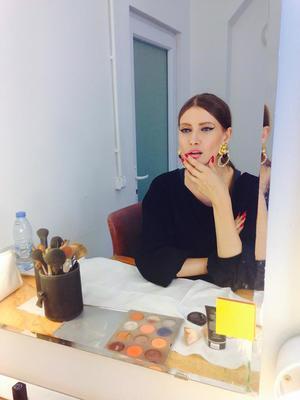 VIDEO EXCLUSIV | Iulia Albu - WOW sau BAU-BAU: Cum sa porti corect imprimeul Op Art
