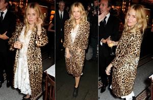 Sienna Miller, degajata intr-o tinuta cu imprimeu leopard!