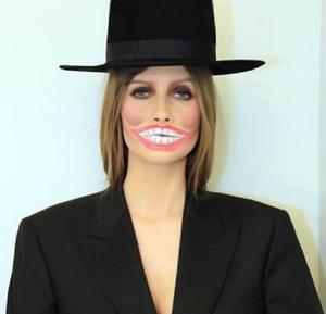 VIDEO EXCLUSIV   Iulia Albu - WOW sau BAU-BAU: Cum sa porti corect un blazer!