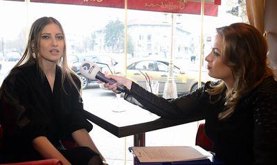 """Interviu Video Exclusiv! De """"Ziua Femeii"""", Iulia Albu adora sa faca daruri mai mult decat sa primeasca! """"Cand eram mica, mamei i-am facut cadou un colier din taitei"""""""