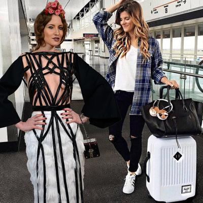 VIDEO! Iulia Albu - WOW sau Bau-Bau pe Kfetele.ro - Cum sa te imbraci cand zbori si cand calatoresti!