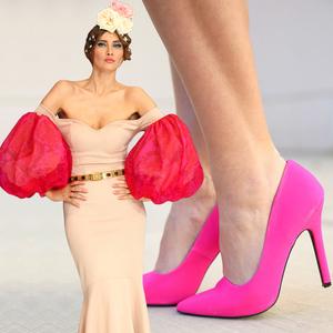 VIDEO! Iulia Albu - WOW sau Bau-Bau pe Kfetele.ro - Cum sa porti pantofii roz