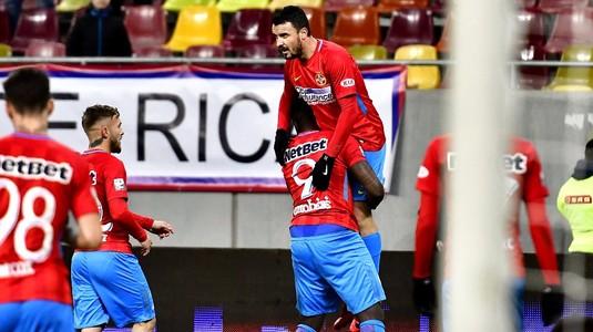 """VIDEO   Reacţia lui Panduru după golul din corner marcat de Budescu: """"Dică a crezut că-l salută pe el"""""""