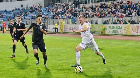 VIDEO | Astra - FC Botoşani 2-1. Giurgiuvenii au jucat în 10 oameni încă din minutul 30. Costel Enache riscă să rateze play-off-ul