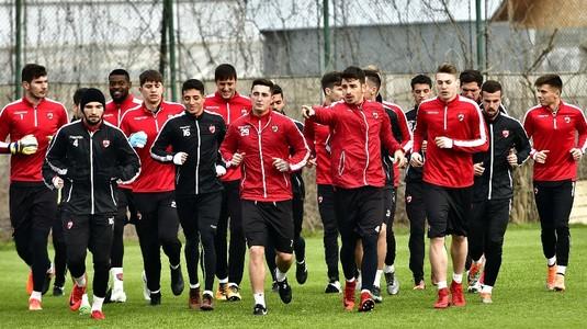 OFICIAL | A început curăţenia de iarnă la Dinamo! Trei jucători au fost puşi pe lista de transferuri şi încă unul se pregăteşte să plece
