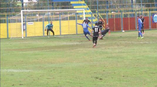 VIDEO | Amical cu patru goluri între Juventus şi Astra pe un teren imposibil. Faze amuzante :)