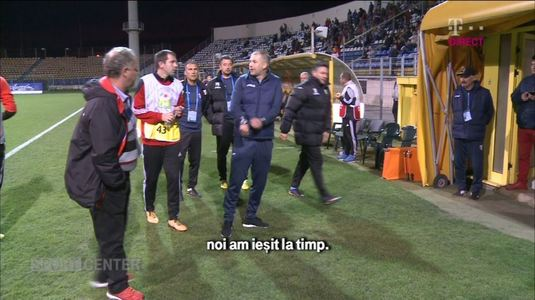 """VIDEO EXCLUSIV   Ce s-a întâmplat în pauza meciului Sepsi - Astra. """"Mergem la vestiar, că stăm de 20 de minute aici?!"""""""