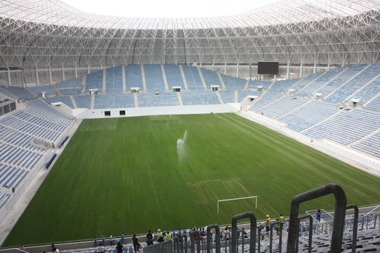 """Probleme mari cu stadionul din Craiova: """"E un amatorism total ce au făcut. Gazonul va trebui refăcut"""""""