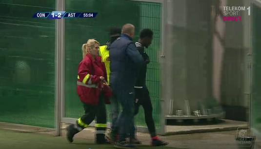 VIDEO   Momente de panică la Astra. Un jucător a fost trimis la spital după ce a început să scuipe sânge