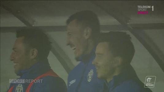 Lipsă de respect?! Ce făceau jucătorii de pe banca lui Juventus în timpul intonării imnului