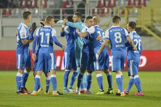 VIDEO   Craiova câştigă derby-ul cu Viitorul şi urcă pe locul doi! Campioana poate rata PlayOff-ul! Faze controversate în Bănie
