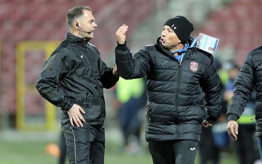 """Petrescu s-a descătuşat după înfrângerea de la Craiova. Nu mai vrea nici play-off: """"E un sistem penibil!"""""""