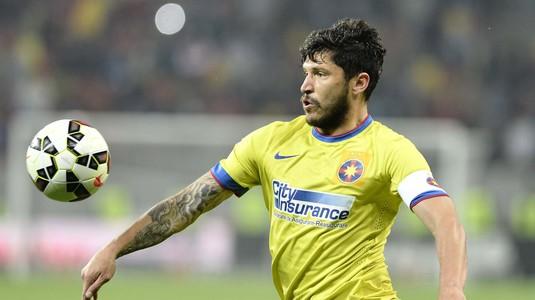UPDATE | Cristi Tănase a fost prezentat oficial la FCSB! Ce număr va purta mijlocaşul la revenirea în Liga I