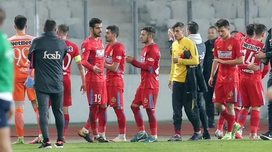 Ei sunt românii remarcaţi de UEFA. Articol special pe prima pagină a site-ului forului continental