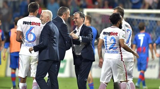 FCSB a picat cu Lazio în Europa League, dar Valeriu Argăseală i-a ironizat pe italieni! S-a pozat cu Totti la tragerea la sorţi :)