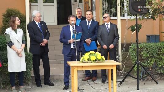 """VIDEO   Devis Mangia a ţinut primul discurs public în limba română şi s-a descurcat incredibil de bine. """"Nu a trebuit să-l repet..."""""""