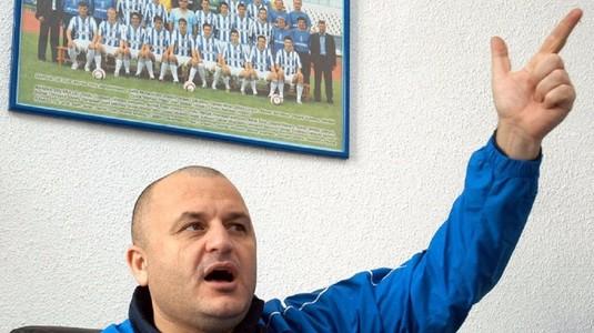 FOTO | Trădare incredibilă în Oltenia! Cine este jucătorul care a uitat unde a jucat şi s-a dat cu CSU Craiova! Suporterii au luat foc