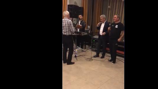 VIDEO | Momente senzaţionale cu Gică Hagi şi Stere Halep în prim-plan! S-au urcat pe scenă şi au făcut show la petrecerea Viitorului