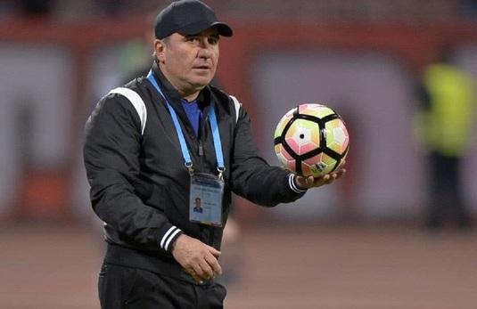 """De cât timp """"rezistă"""" pe banca Viitorului singurul antrenor din Liga I care nu poate fi demis"""