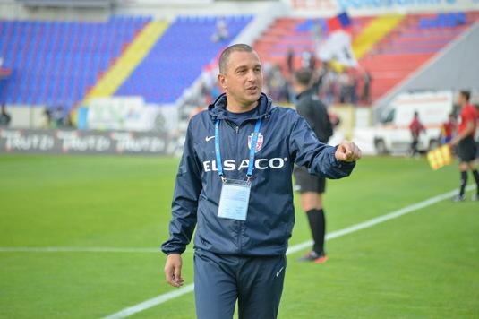 """Costel Enache îl critică dur pe Colţescu: """"Eu îmi cert jucătorii şi el mă dă afară, mai inventează şi penalty pentru Iaşi"""""""