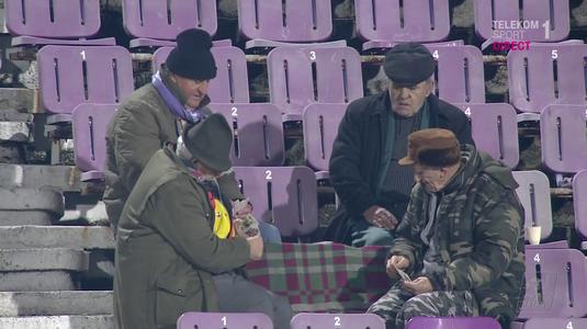 VIDEO | Cel mai TARE MECI s-a jucat la Timişoara! Patru bunici au uitat de fotbal şi s-au încălzit la o partidă de cărţi