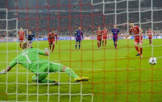 Cu Stanciu şi Chipciu titulari, Anderlecht n-a avut nicio şansă cu Bayern! Belgienii au jucat în inferioritate din minutul 11