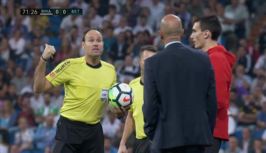 VIDEO Faza devenită virală aseară la Real - Betis! Zidane a băgat 12 jucători pe teren!