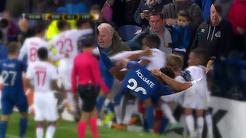 VIDEO | Clubul Everton a fost amendat de UEFA cu 30.000 de euro după ce un fan l-a agresat pe portarul Lopes