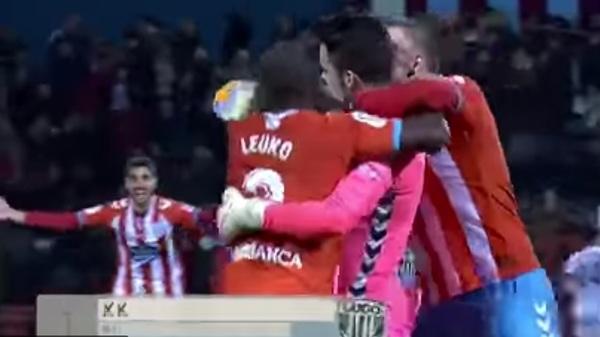 Favorit pentru trofeul Puskas în 2018! VIDEO | Un portar din Spania a dat golul anului, de la 70 de metri