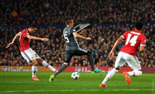 UEFA a deschis proceduri disciplinare după meciurile Manchester United – Benfica şi Olympiakos – FC Barcelona