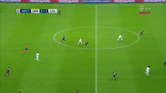 VIDEO | Nici la FIFA18 nu-ţi ieşea aşa ceva! Ce cursă nebună a reuşit Pedro şi cum l-au oprit fotbaliştii de la Qarabag