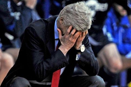 """Momentul în care Arsene Wenger şi-a pierdut cumpătul. Dezvăluiri: Ce i-a spus """"Profesorul"""" arbitrului după un penalty controversat dictat împotriva lui Arsenal"""