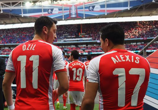 Arsenal se pregăteşte pentru două pierderi uriaşe! Alexis Sanchez pleacă la City, Ozil negociază cu United şi Barcelona