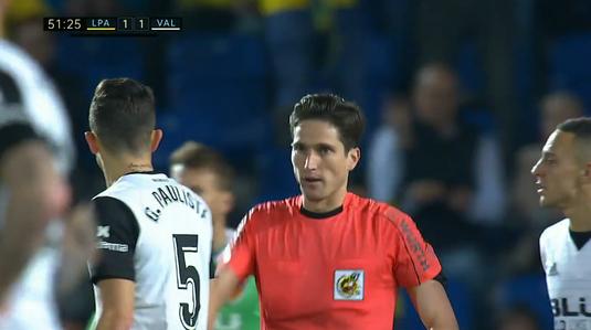 VIDEO | Valencia a pierdut pe terenul ultimei clasate din La Liga. Fază de povestit! Gabi Paulista, două galbene în 10 secunde!