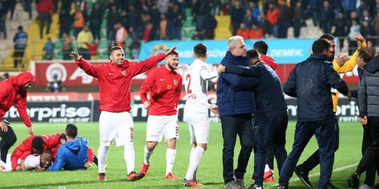VIDEO   Şumudică urcă pe podium în Turcia după o nouă victorie. E peste Fener şi Beşiktaş!