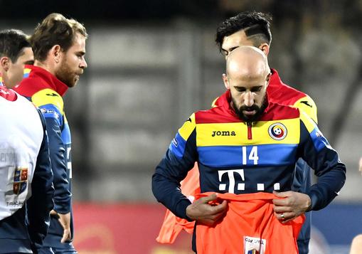 """EXCLUSIV   În cazul Alibec, Latovlevici vine cu propriul exemplu: """"Eram total nefericit!"""" Ce decizie a luat fundaşul lui Galatasaray"""