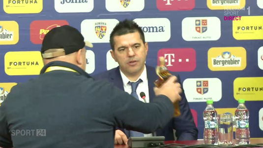 VIDEO | Cosmin Contra a dezvăluit ce a făcut cu sticla de palincă primită după meciul cu Turcia