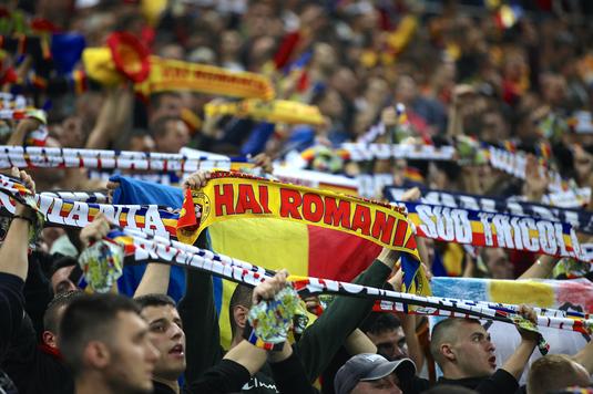 Zi specială pentru fotbalul românesc. Ce cote ne oferă bookmakerii şi cât câştigi dacă pariezi pe cele trei naţionale