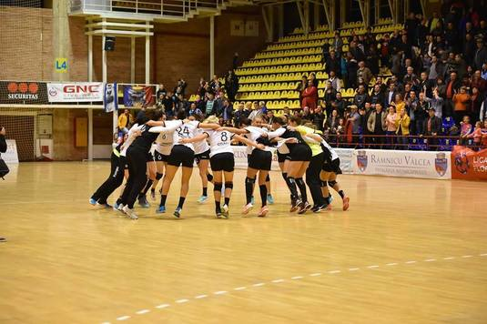 VIDEO | În runda a şaptea din Liga Florilor HCM Rm Valcea a învins echipa lui Gheorghe Tadici, Zalău. Vâlcea are acum 15 puncte şi rămâne pe locul trei în clasament