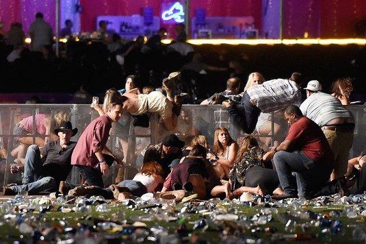 """Cel mai sângeros atac din istoria SUA! Mărturia şocantă a jucătoarei de tenis care a scăpat cu viaţă din """"infern"""". Cel puţin 58 de persoane au fost ucise"""