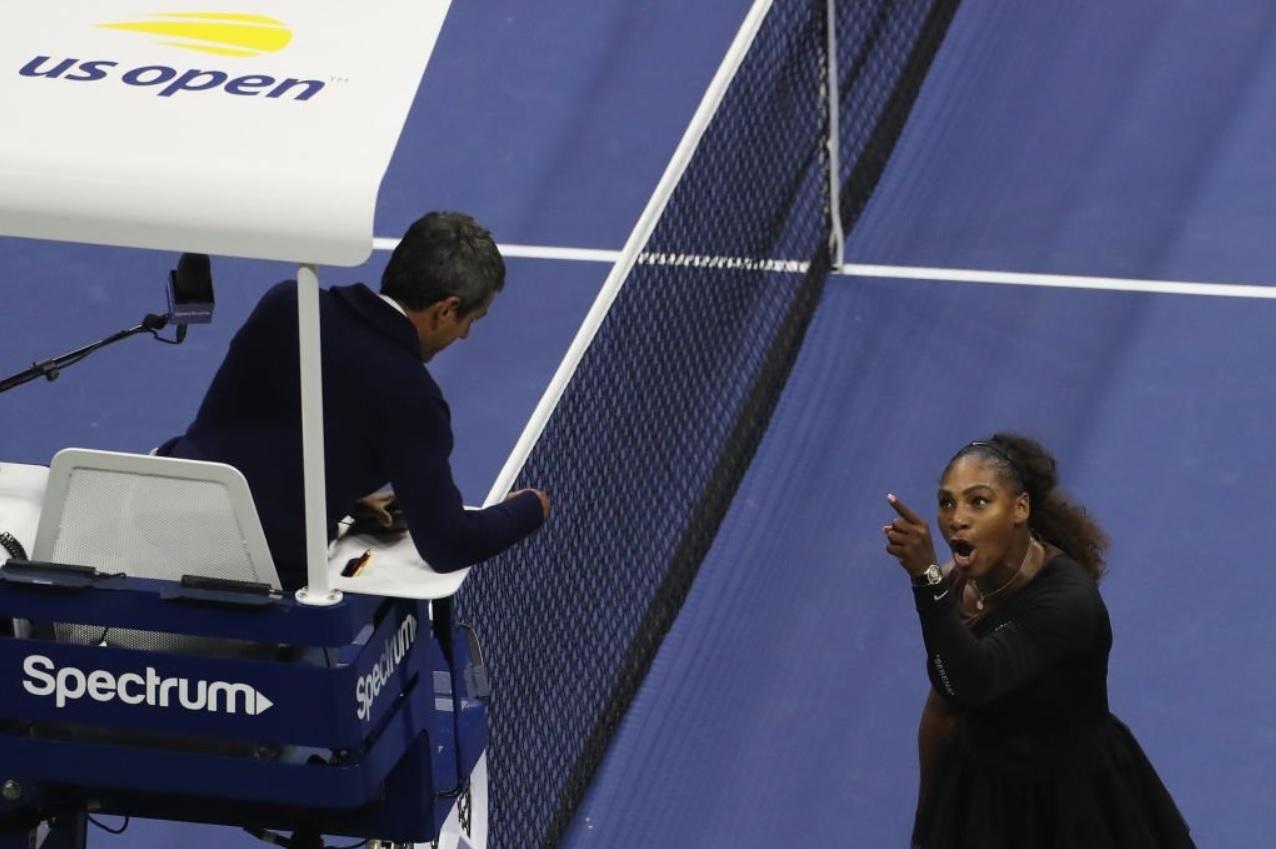 """Serena Williams n-a mai rezistat şi a răbufnit. Declaraţii revoltătoare ale americancei: """"El e alb, eu sunt de culoare. De ce i se permit atâtea?"""""""