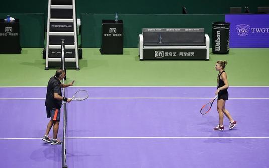 VIDEO | Halep a jucat tenis cu un ziarist din Singapore. Declaraţie senzaţională a jurnalistului