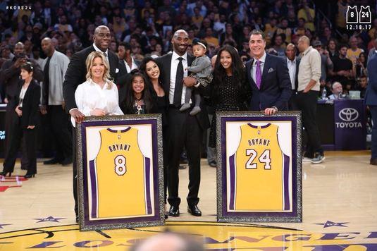 "Gest ISTORIC pentru ""Mamba"". Lakers a retras ambele tricouri purtate de Kobe Bryant. VIDEO - întreaga ceremonie"