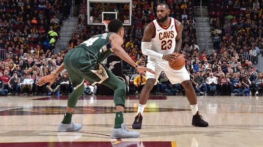 VIDEO | Duel de vis între Giannis şi LeBron! Cleveland a câştigat, dar uriaşul lui Milwaukee şi-a depus candidatura la titlul de MVP!