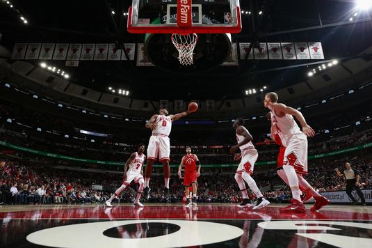 VIDEO | Show în cel mai tare baschet de pe planetă. Rezumatele rundei din NBA