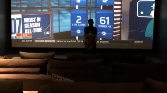 VIDEO COLOSAL I Noua vilă a lui Floyd Mayweather arată ca un hotel de lux!