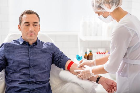 """VIDEO Rugbiştii au donat sânge: """"Un gest extrem de mic, dar care are o însemnatate imensă – salvarea unei vieţi"""""""