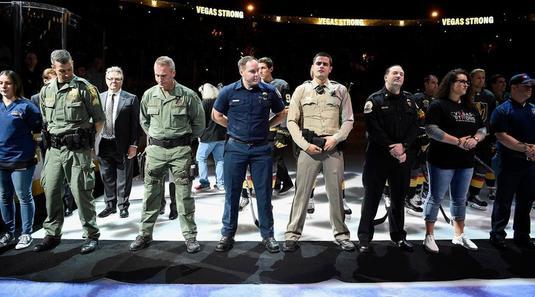 VIDEO IMPRESIONANT | Omagiu adus de jucătorii şi fanii Las Vegas Golden Knights victimelor atacului armat